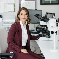 Dr Mary Kinloch