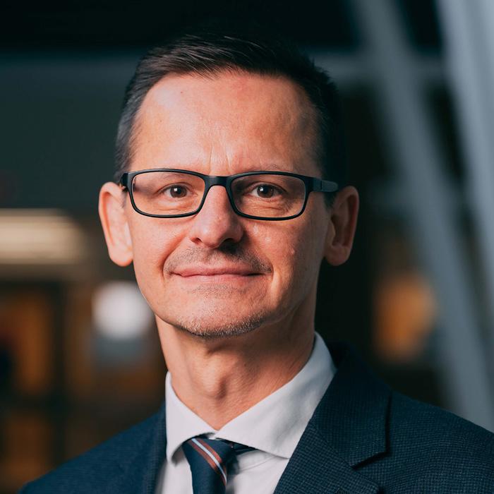 Dr. Gabor Kovacs